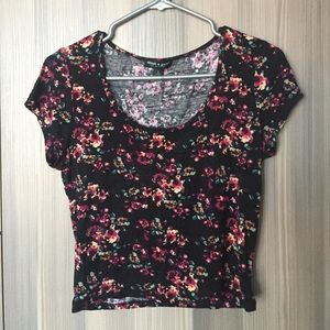 ✨SALE✨ Floral Crop Top